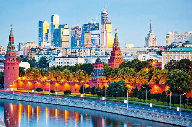 ve-may-bay-di-Moscow-1
